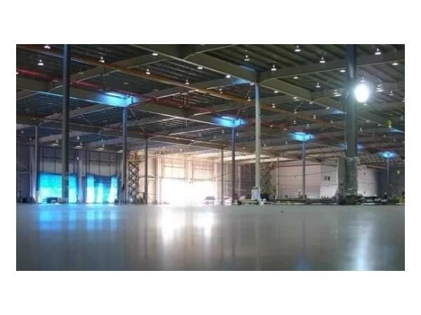 优耐地坪/金刚砂耐磨地坪与混凝土密封固化剂地坪的区别
