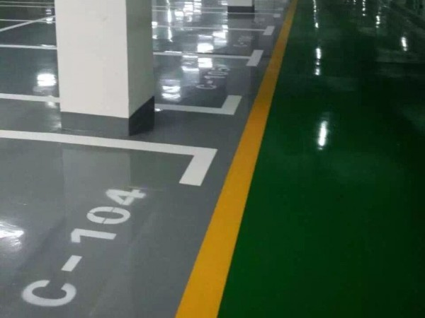 环氧地坪漆配复色漆技巧与施工中材料的使用细节