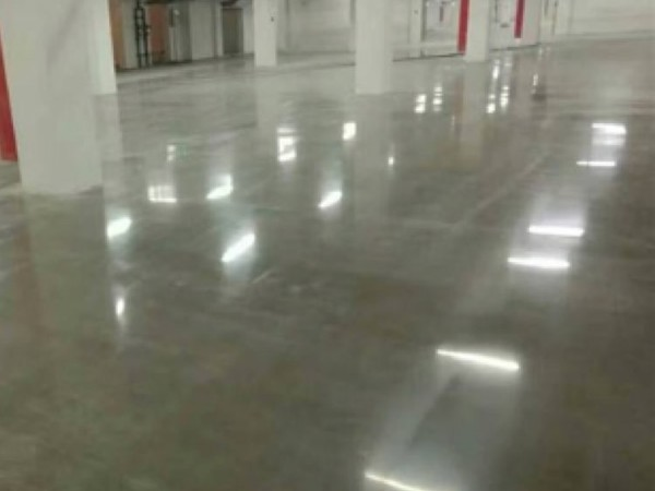 工厂都选择做混凝土密封固化剂地坪优势有哪些